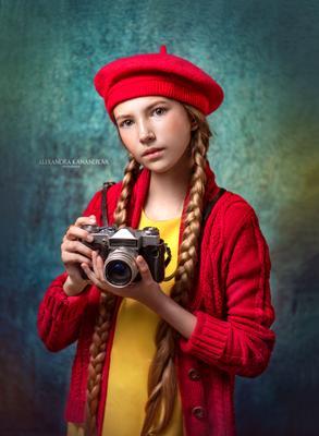 Девочка с фотоаппаратом Портрет дети фотоаппарат