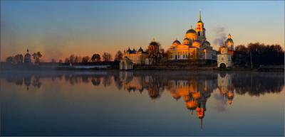 Монастырь монастырь панорама осень рассвет вода озеро селигер
