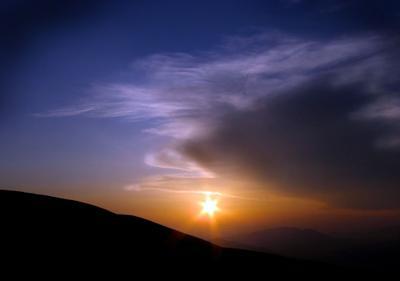 Вспоминая картины Рериха горы закат природа облака путешествия