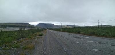 *** Ловозерские тундры Горы Панорама Север Дорога Низкие облака