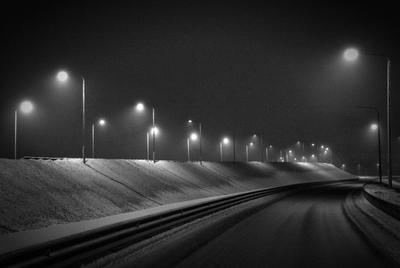 Туман и фонари дорога туман ночь фонари свет ритм