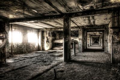 Погружение недострой заброшенное здание завод HDR пустота одиночество бетон
