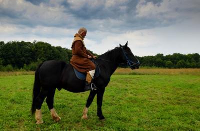 Тени прошлого Переслвль -Залесский рыцарь лошадь конь лето Александрова гора