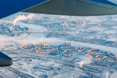 Санкт-Петербург с высоты 3 Санкт-Петербург Питер Россия солнце зима утро холодно восход облака дым самолет небо airbus airbus320 airastana