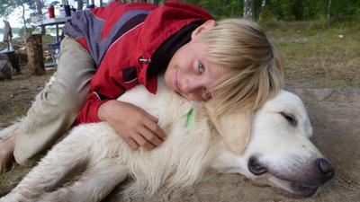 человек - лучший друг собаки мальчик собака