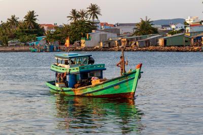 рыбацкие будни Вьетнам о Фукуок море