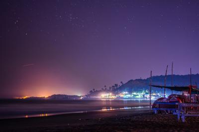 Арамболь пляж ночь звезды море холм огни