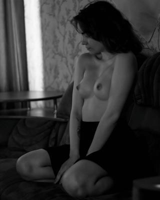 *** девушка портрет черно-белое