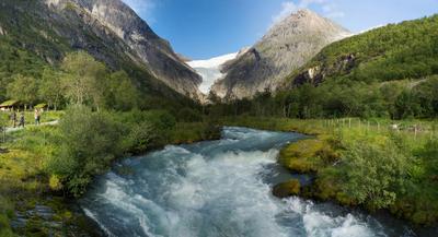 Путь к леднику Бриксдайл Норвегия Ледник