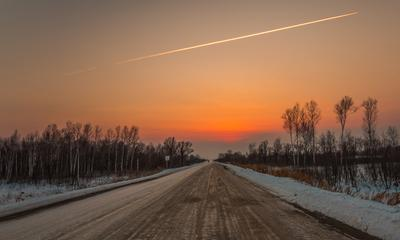 Разрезанный горизонт. зима закат небо дорога