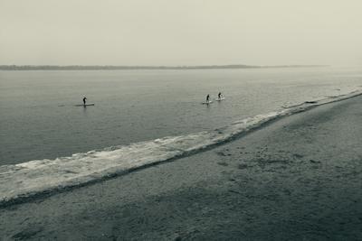 *** река лед весна серфер