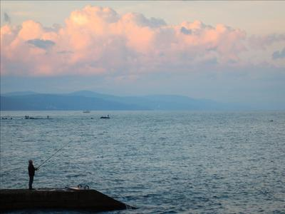 Рыбалка на розовом закате Crimea fisherman sunset закат рыбак Крым