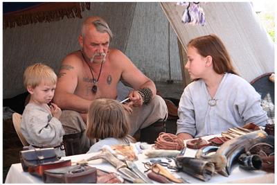 Древние славяне (сигареточку не замечать!)