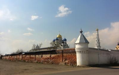 Стена и угловая башенка Ноколо-угрешского монастыря монастырь, стена, башня