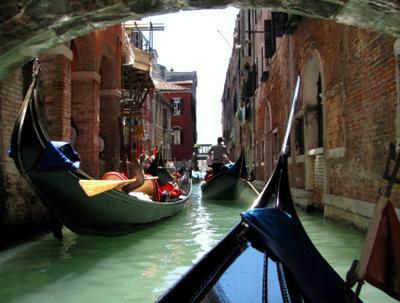 Venice under the bridge Венеция Гондола Мост
