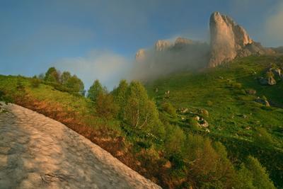 Большой Тхач ранним утром Адыгея Тхач