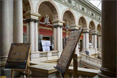 Ярус галереи Большого выставочного зала Штиглиц_студенты