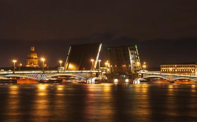 На берегу Невы 2 Санкт-Петербург
