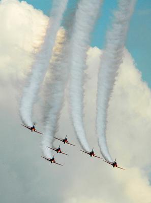 Воздушный пилотаж Hawk T1