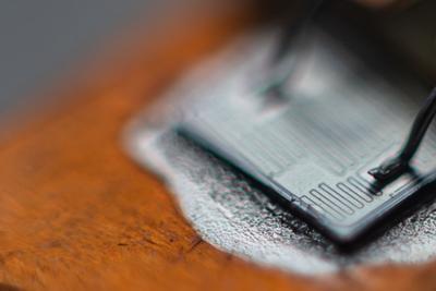 Чип транзистора