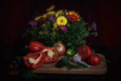 Овощи. лето натюрморт овощи цветы