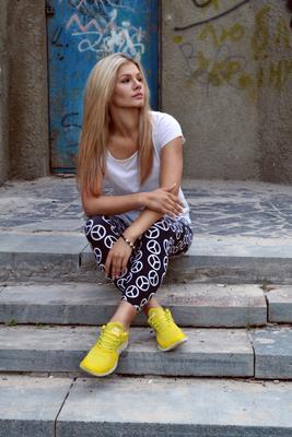 *** девушка блондинка молодость