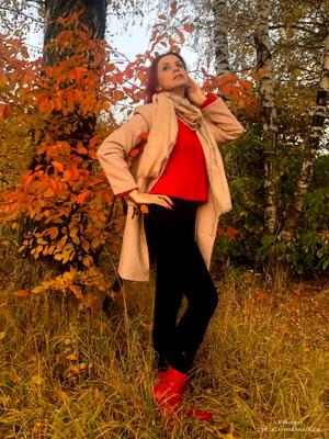 Московская осень, Москва, Целовала сквозь вечер горя. Московская осень, моя, Обнажилась надежду даря модель девушка осень
