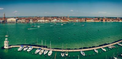 Giudecca Canal Венеция канал яхта парковка транспорт панорама река вода город