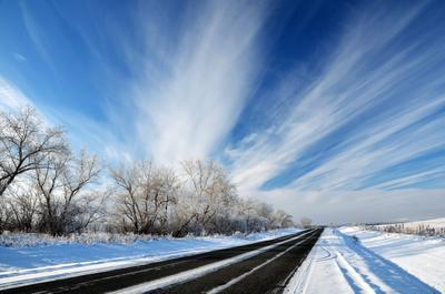 В синеву дорога трасса транспорт пейзаж зима небо облака