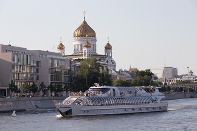 """Баттерфляй"" прогулочный корабль"