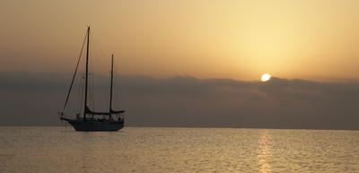 Вид из окна Египет Красное море Лодка Рассвет