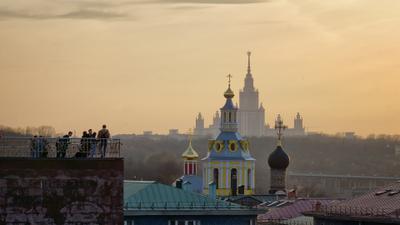 Вечер на Воробьевых горах Москва Воробьевы горы вечер город