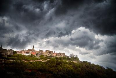 Поглощение света. буря город пейзаж облака небо природа