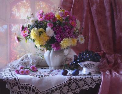 ...осенний свет летел и таял... still life натюрморт цветы хризантемы фото стихи сентябрь осень виноград