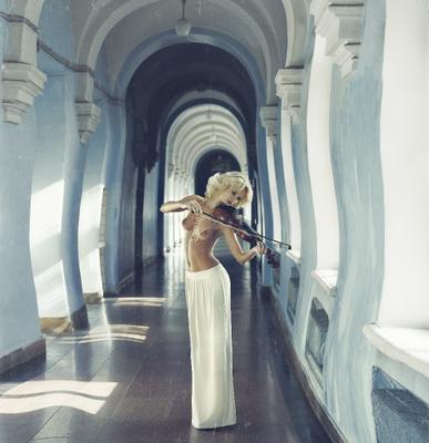 Toscо Fantasy ню, скрипка, красота, музыка, эротика, Алина, Анна Пасечник