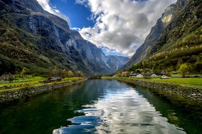Фьорды Норвегии пейзаж фьорд горы вода путешествия небо облака