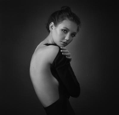 Виола портрет черно-белое чб фото девушка красота