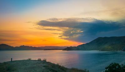 У бухты Провато Крым закат