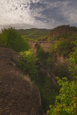 Арочный мост Дагестана Дагестан Табасаранский район горы вечер закат Арочный мост