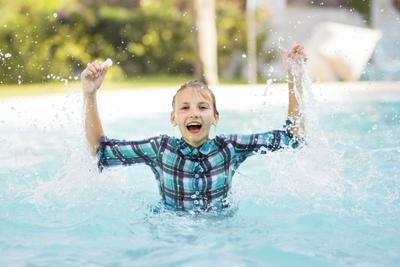 *** детское фото бассейн брызги эмоции