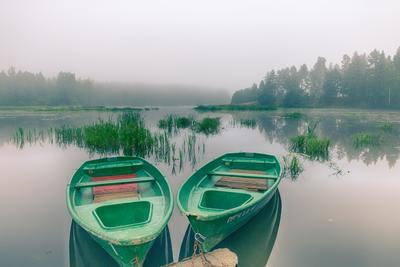 Туман лето утро туман лодки река лес