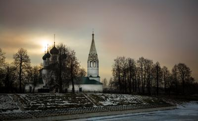 Красота Ярославля. город Ярославль церковь городской пейзаж