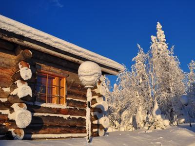 Утренний фонарь фонарь горнолыжный_центр изба-коттедж у горы Приполярье Рука Ruka Kuusamo Finland