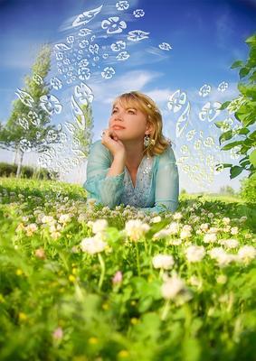 лето девушка лето цветы бабочка открытка