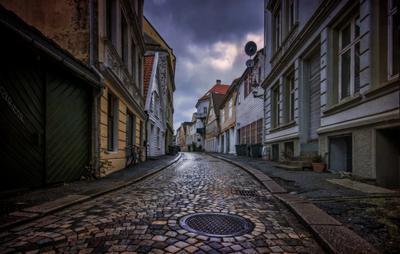 После дождя город путешествия Норвегия дождь улица дома архитектура