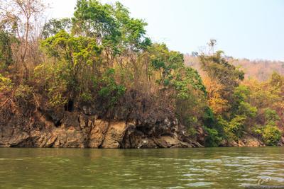 Берег Таиланд Канчанабури река Квай