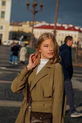 На Дворцовой площади.. девушка красота