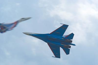 Дуэль ВКС ВВС Су-35С Кубинка Русские витязи авиация самолет эффект Прандтля-Глоерта