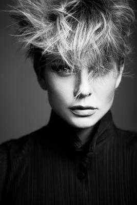 Так просто уже не модно. модель девушка портрет nikon delovaya model студия