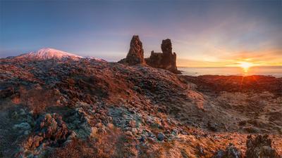 #247 Iceland, Sunset on Londrangar (panorama) Iceland Londragar